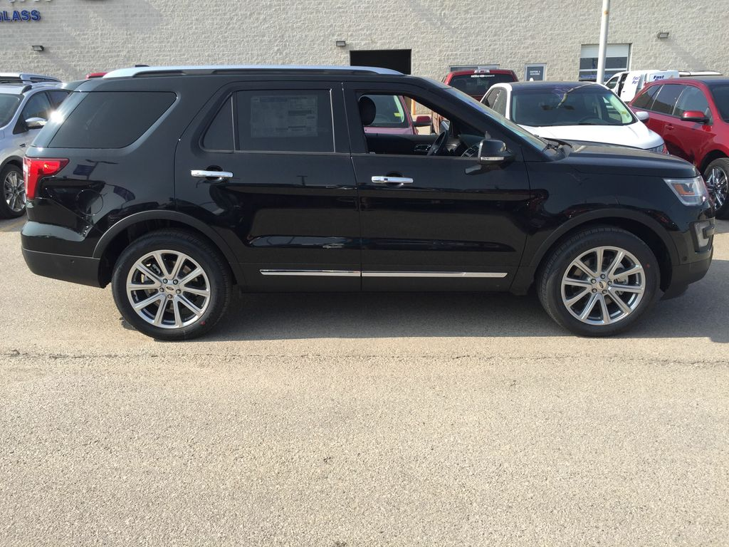 new 2017 ford explorer limited 4wd 4 door sport utility in winnipeg 17k8f29 mid town ford. Black Bedroom Furniture Sets. Home Design Ideas
