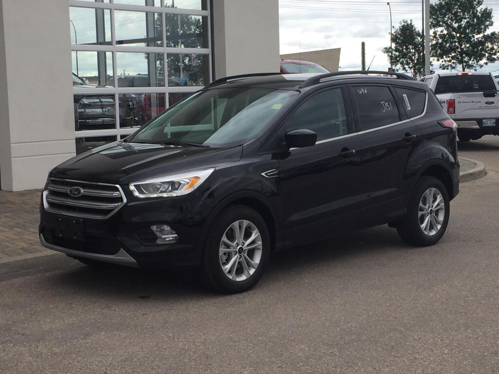 new 2017 ford escape se 4 door sport utility in winnipeg 17u9g27 mid town ford. Black Bedroom Furniture Sets. Home Design Ideas