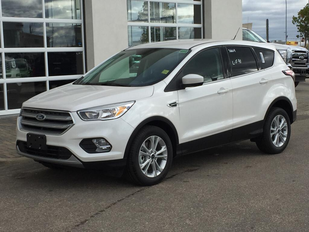 new 2017 ford escape se 4 door sport utility in winnipeg. Black Bedroom Furniture Sets. Home Design Ideas