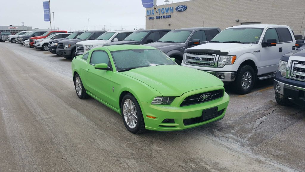 Pre-Owned 2014 Ford Mustang PREMIUM COUPE