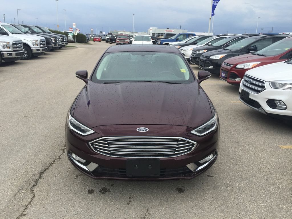 used 2017 ford fusion se awd luxury 4 door car in winnipeg 4379 mid town ford. Black Bedroom Furniture Sets. Home Design Ideas